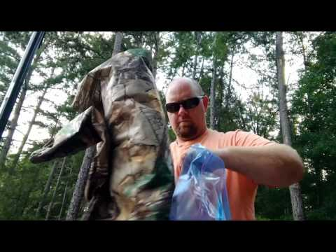 Deer hunting tips   storing your hunting clothes scent free   deer hunting hack